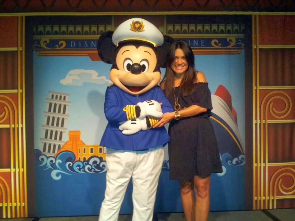 Mayra-y-Mickey-Mouse