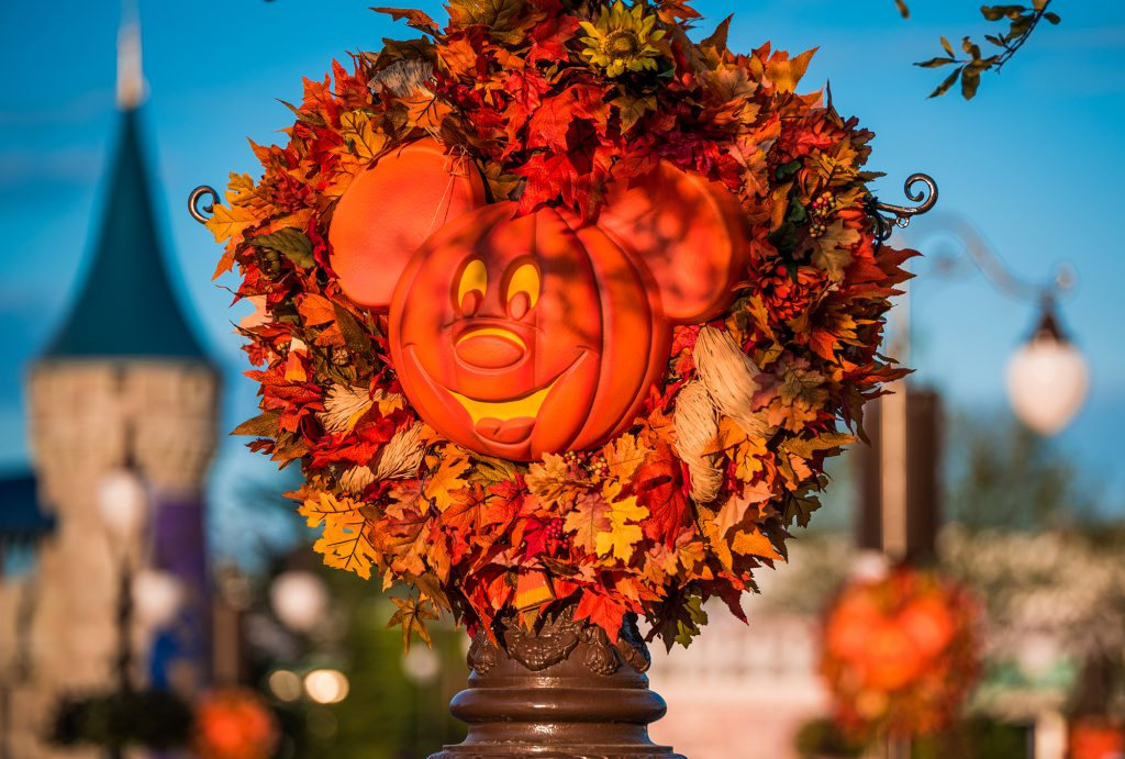 halloween-pumpkins-golden-light-mk-wdw-2016-edit-003-1024x691